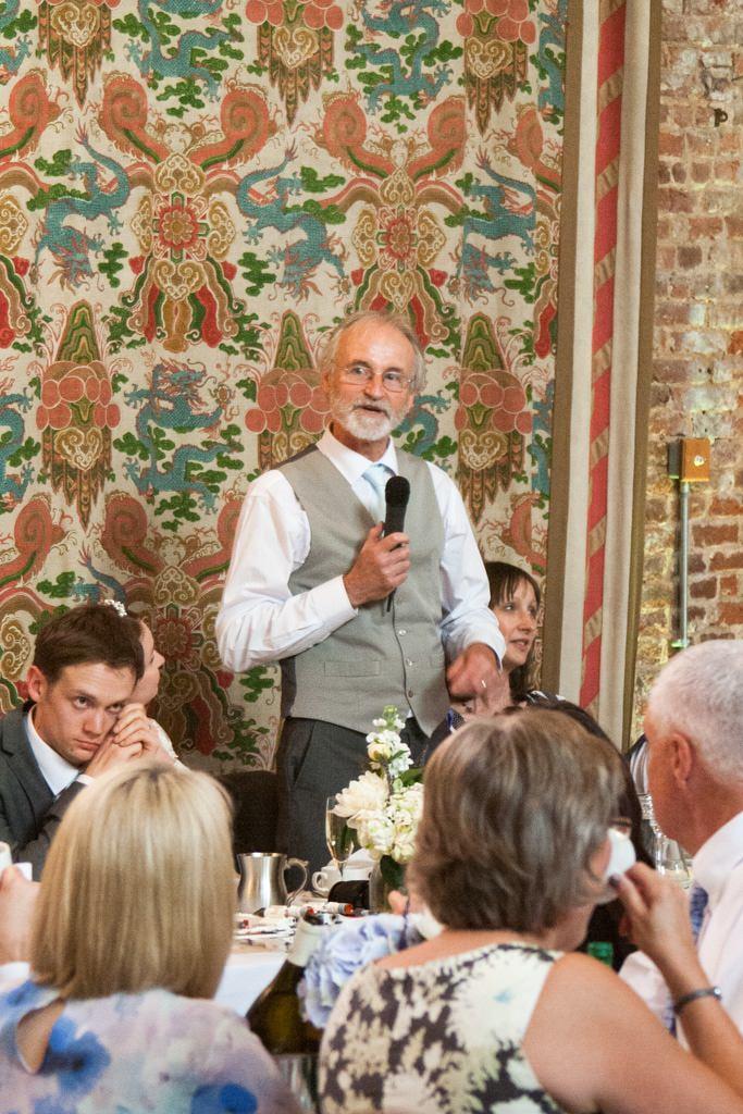 Hertfordshire Wedding Photographer - father of the bride speech