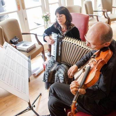 Norfolk wedding photographer – wedding music